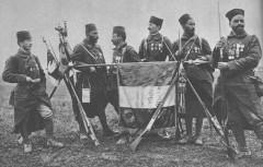 7e_RTA_est_son_drapeau_en_1917.jpg